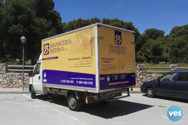 Camión Ebanistería Esteban
