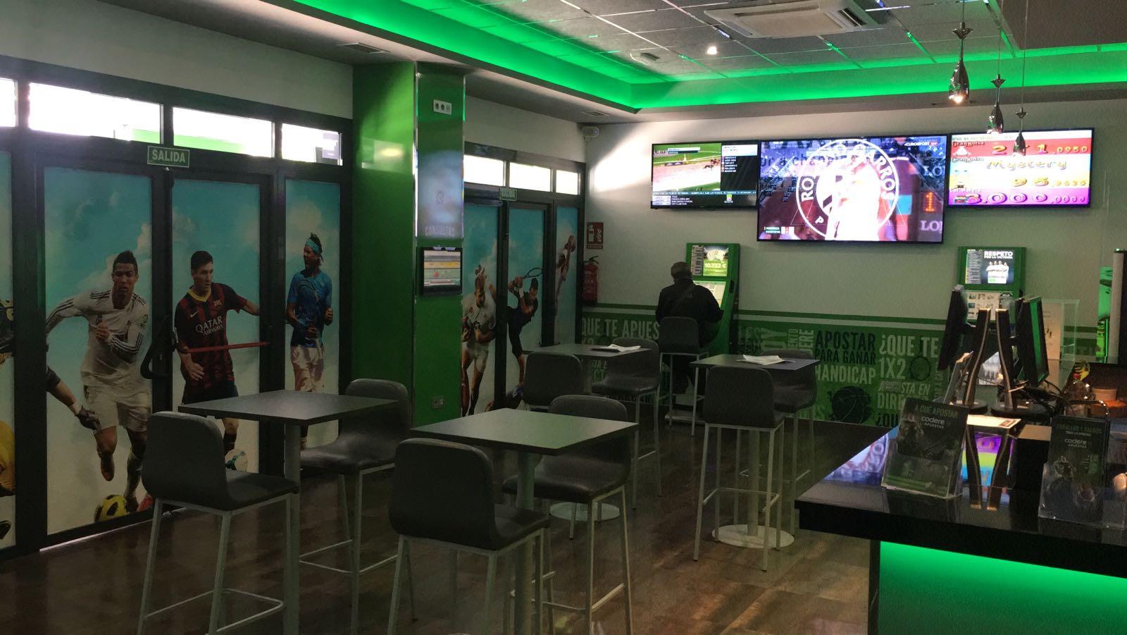 Salón de juego Joker - San Vicent de Raspeig - Ves Publicidad